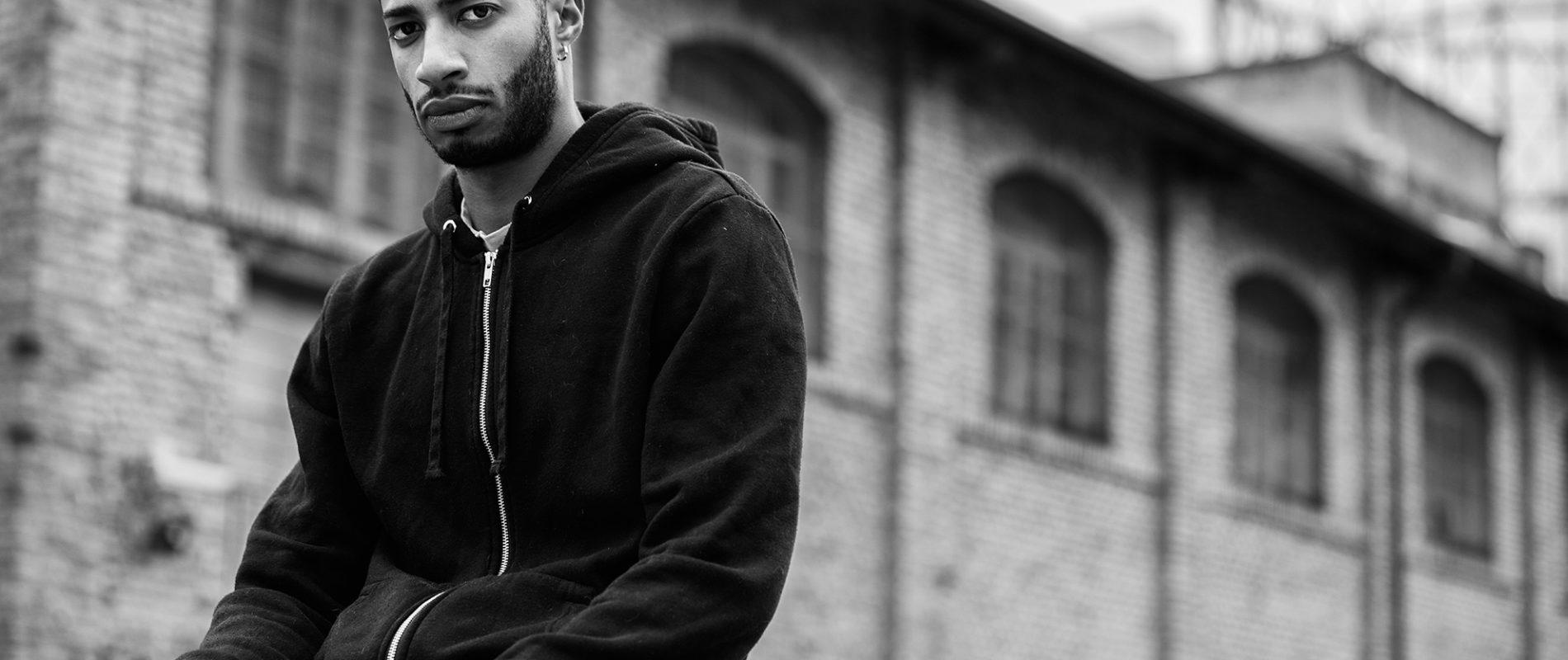 Black & White Management -